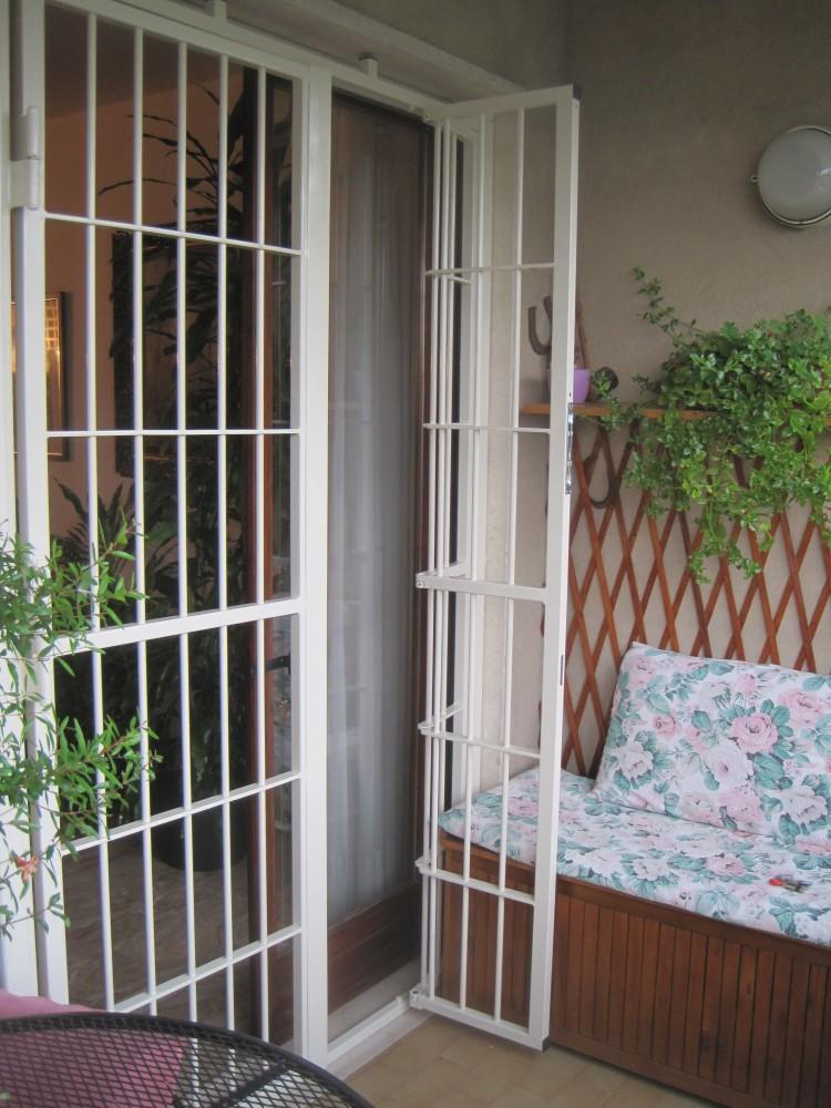 Inferriate e grate di sicurezza per finestre e porte in - Sicurezza porta finestra ...