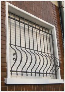 Inferriate grate di sicurezza per finestre in ferro - Inferriate per finestre costi ...