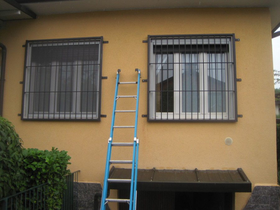 Inferriate grate di sicurezza per finestre in ferro - Grate alle finestre ...