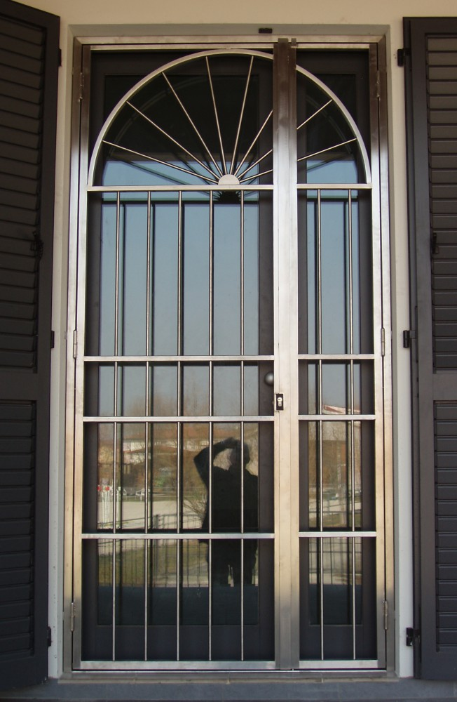 Inferriate per porte finestre apribili affordable - Grate per finestre leroy merlin ...