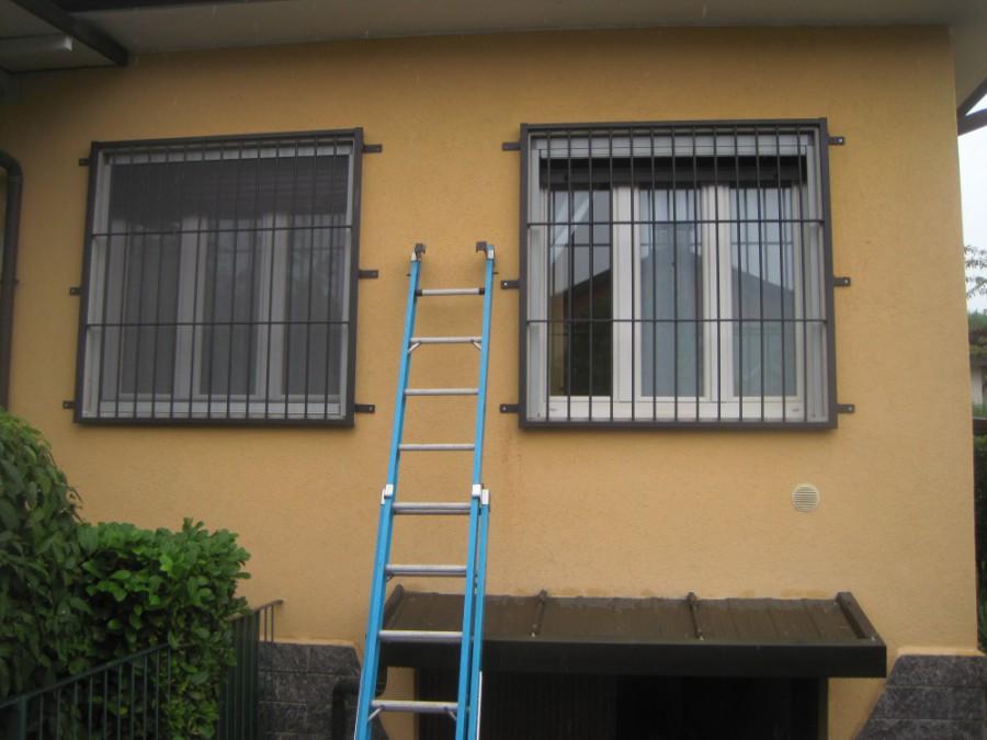 Inferriate grate di sicurezza per finestre in ferro acciaio milano como monza brianza 3 - Grate finestre in ferro ...