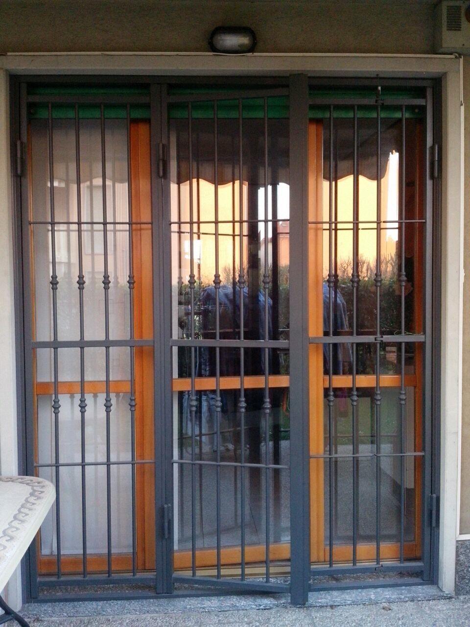 Grate E Inferriate Di Sicurezza Per Finestre E Porte In Ferro Acciaio A Milano Como Varese Bergamo E Monza Brianza Lombardia