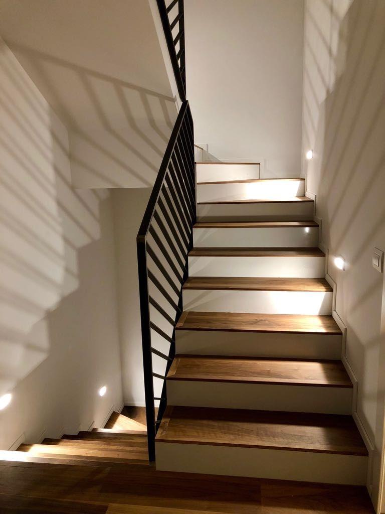 Foto Scale Interne Moderne scale su misura per interni: a giorno, a sbalzo, a