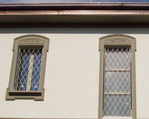 Inferriate-grate-di-sicurezza-per-finestre-in-acciaio-inox-milano-como-monza-brianza-antieffrazione-anti-intrusione_2