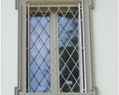 Inferriate-grate-di-sicurezza-per-finestre-in-acciaio-inox-milano-como-monza-brianza-varese-bergamo-lombardia-antieffrazione-anti-intrusione_4