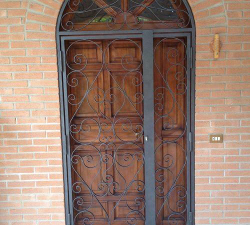 inferriate ferro battuto per porte e finestre como con riccioli decorazioni monza brianza, milano, como, varese, bergamo, lecco