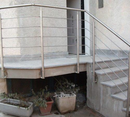 Parapetto tondini acciaio inox per scala e balcone per esterni milano monza brianza, milano, como, varese, bergamo, lecco
